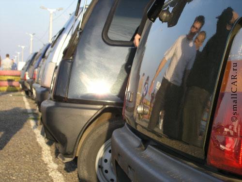 Фото: Отражение Окаводов на автомобиле ОКА